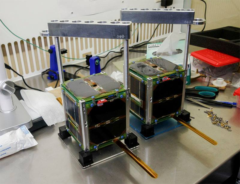1533803766-siriussat-1-rs13s-and-siriussat-2-rs14s-cubesats.jpg
